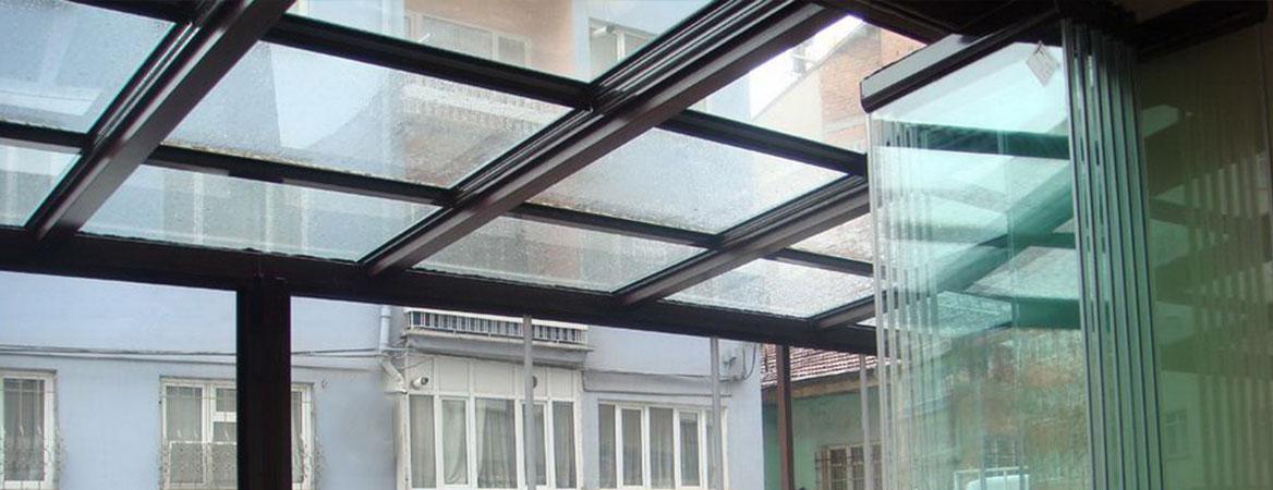 üstten askılı cam balkon sistemleri